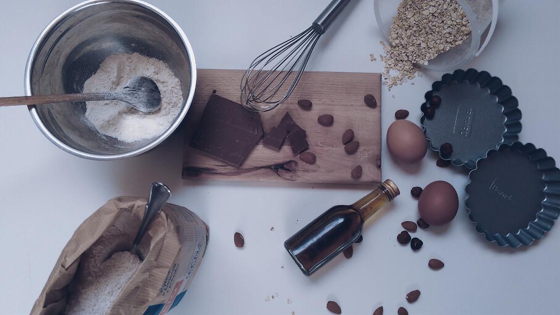 #baking #makemehappy #delish #sweet #treatyouself #chocolate #almonds #cake #FreeToEdit
